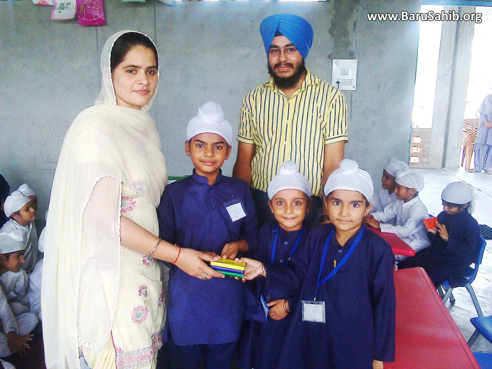 "Students of Akal Academy Bhadaur participate in ""Gurmat Quiz"" on Guru Ram Das ji's Gurpurab!"